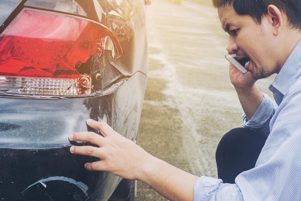 O que fazer após uma batida de carro